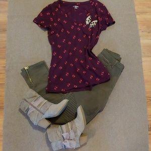 Merona Birdie T-Shirt Size Medium